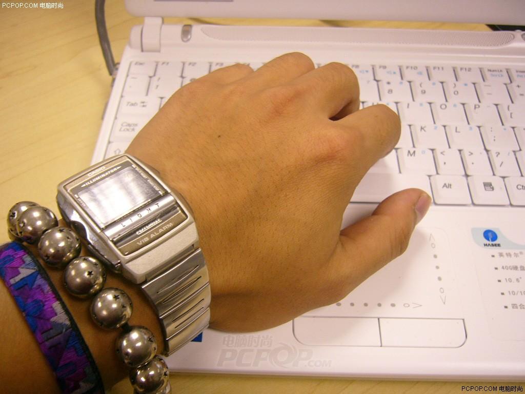 电脑 笔记本/抱着本本睡觉!使用笔记本的九大恶习图片3