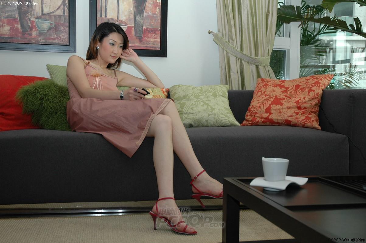 华硕美女桌面壁纸