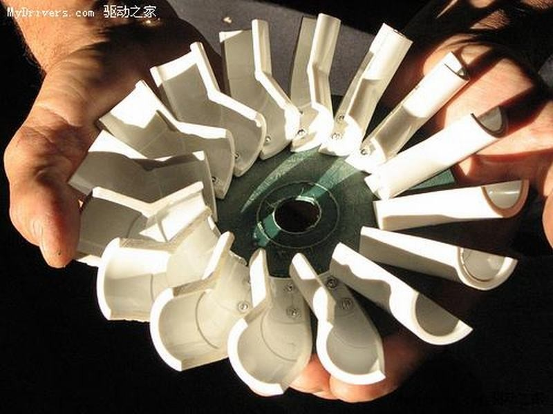 国外达人自制水桶发电图片1